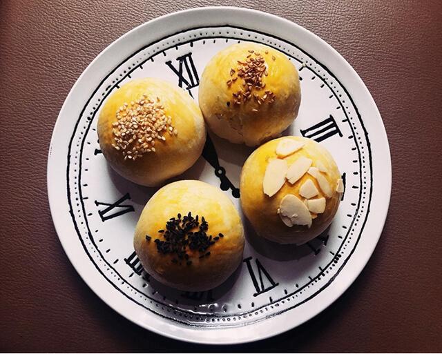 bánh ngàn lớp trứng muối đài loan