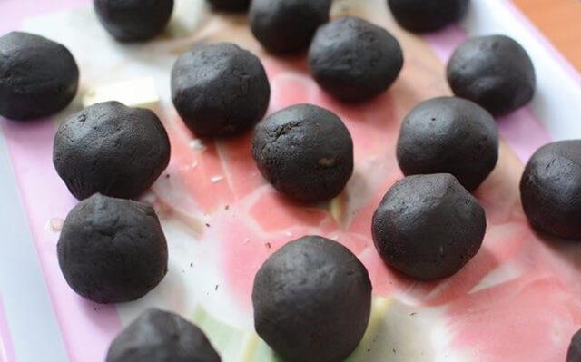 Cách làm bánh trung thu vỏ socola